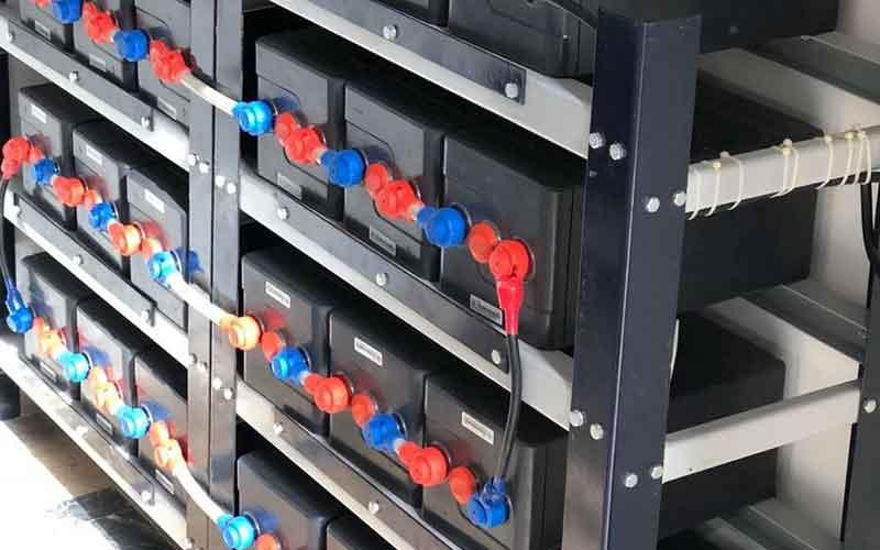Solar Battery Bank Configuration