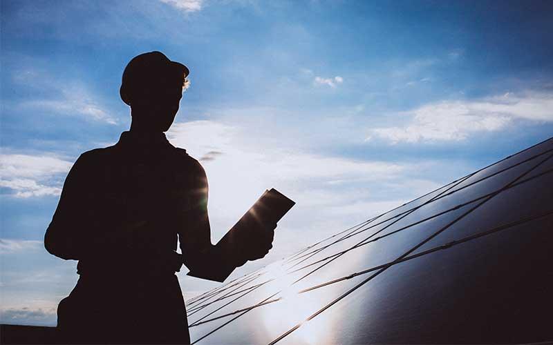 Solar Panel Maintenance Worker